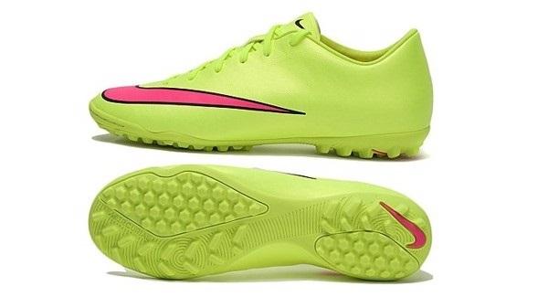 Giày đá bóng hỗ trợ tăng tốc