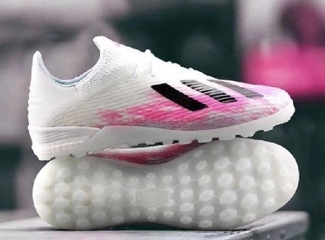 Giày bóng đá sân cỏ nhân tạo mùa hè