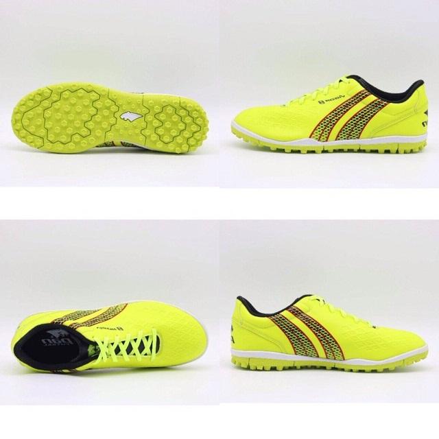 Nên chọn giày TF đế dày rộng hay thon mỏng